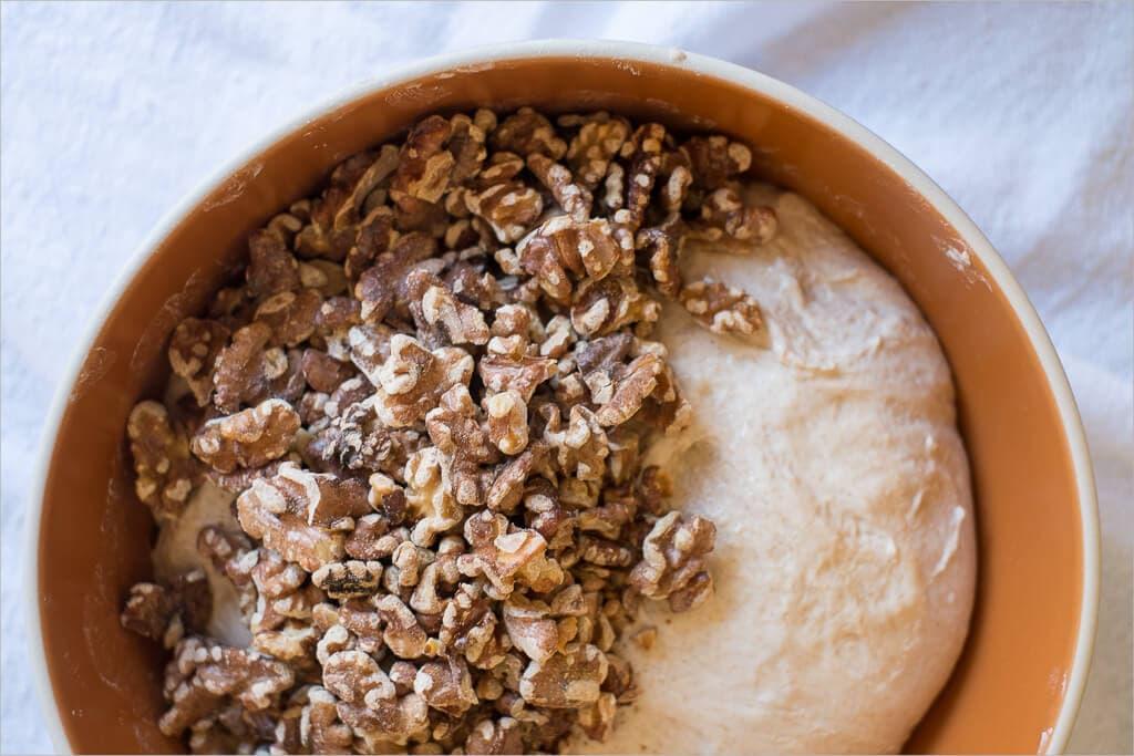 Walnuts and sourdough dough