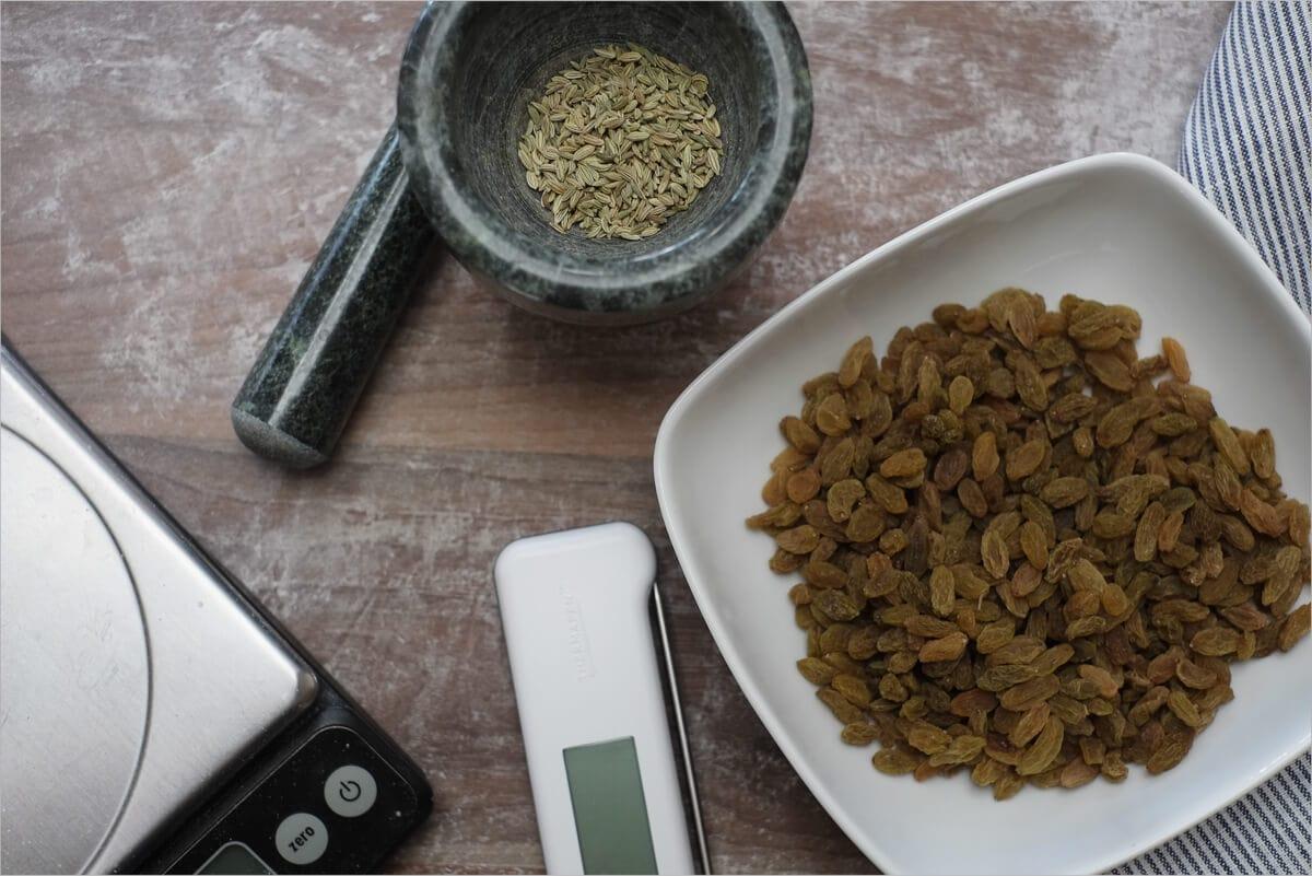 Golden raisin and fennel seed sourdough