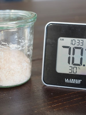 Ambient thermometer