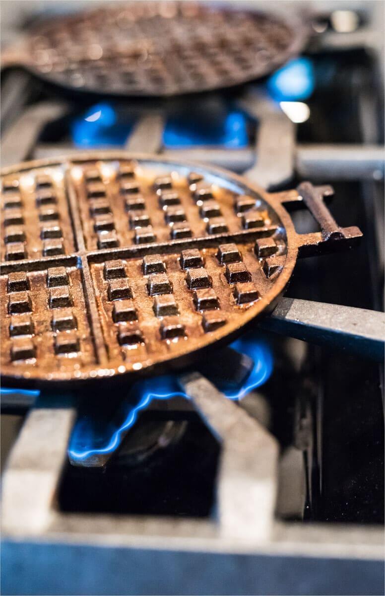 rome cast iron waffle iron