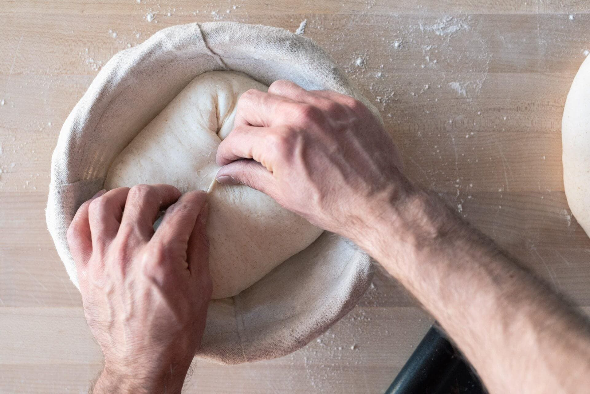 Shaping a Boule via @theperfectloaf