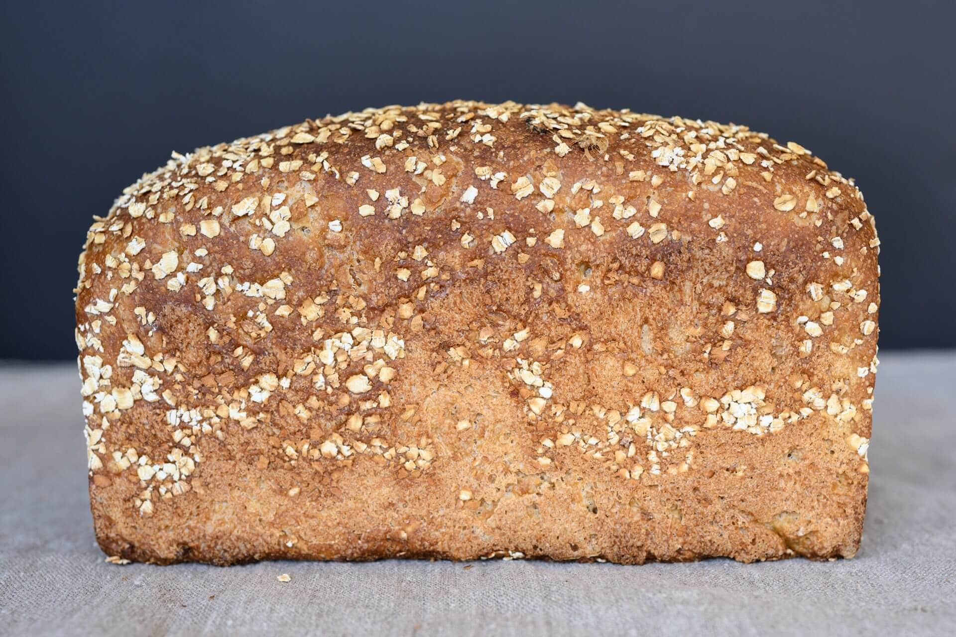 Crust with oats