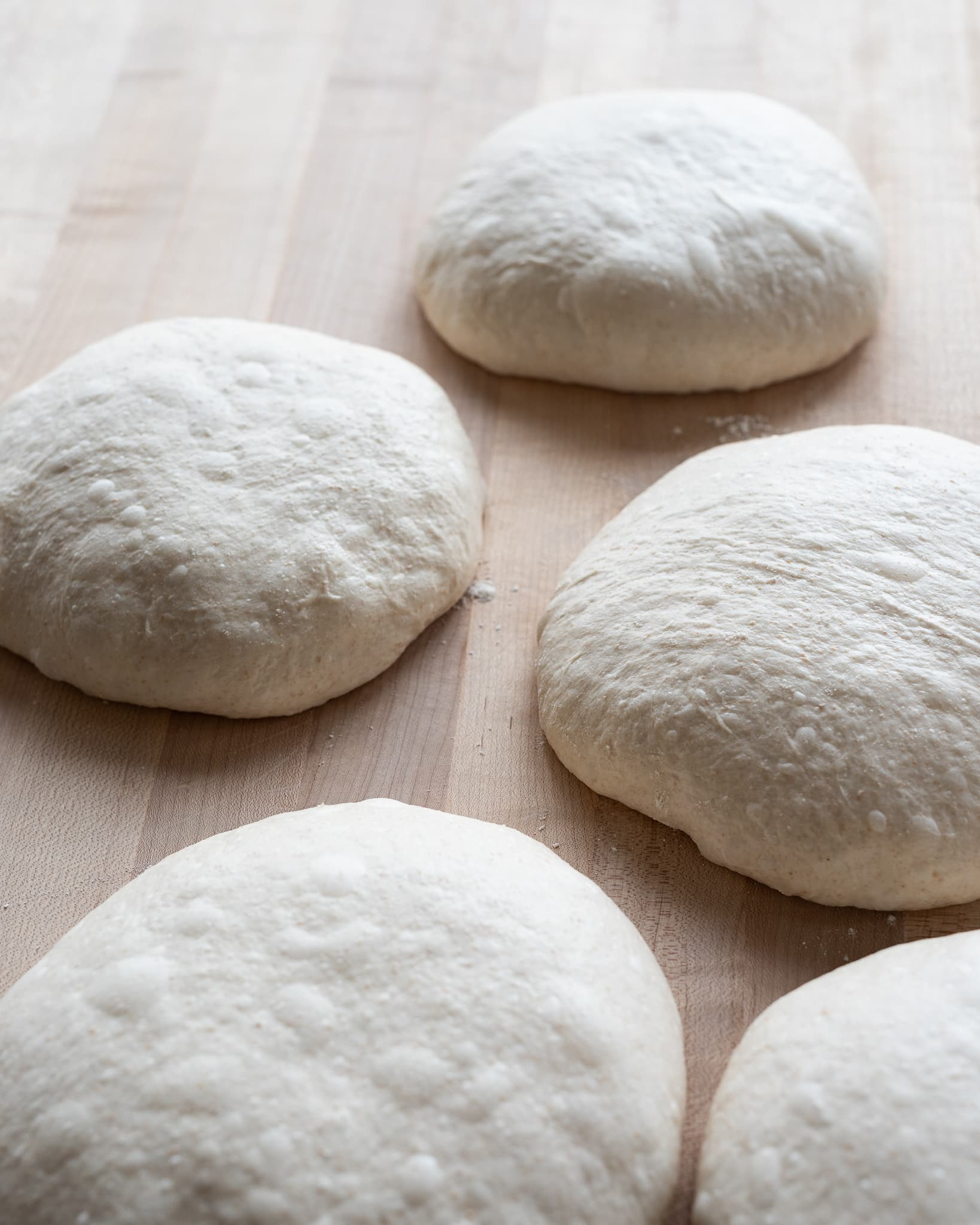 how to preshape bread dough, five preshaped rounds