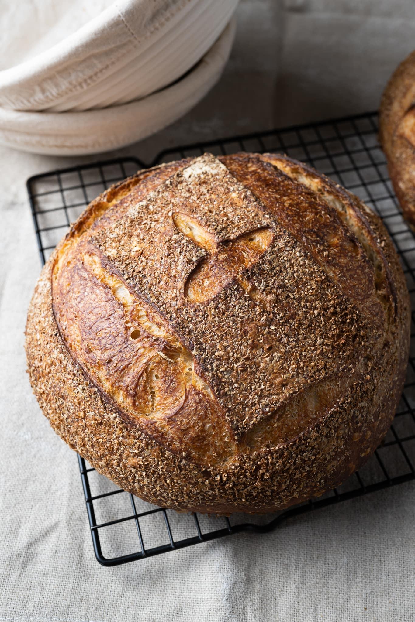 No-knead sourdough bread crust